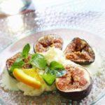 Салат из инжира с ванильным мороженым