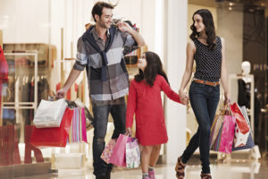 Как вдохновить мужчину на совместный шоппинг